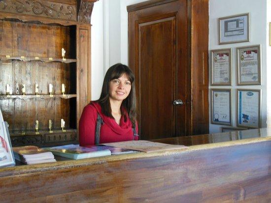 Heybe Hotel: Filiz at Reception