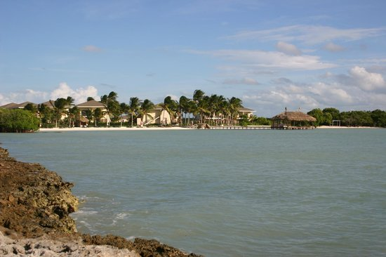 Melia Buenavista: Sunset beach with peer and cottages