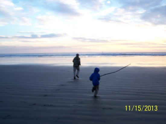 Crescent Beach: getting to the water.