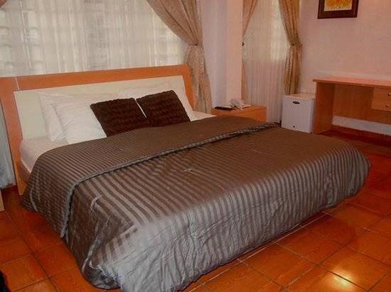 Sigma Apartments : Luxury bedroom of various sizes