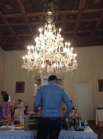 Palazzo Magnani Feroni : sala colazioni