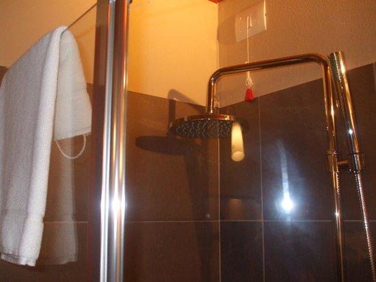 Hotel Residence Diamantina: bella doccia