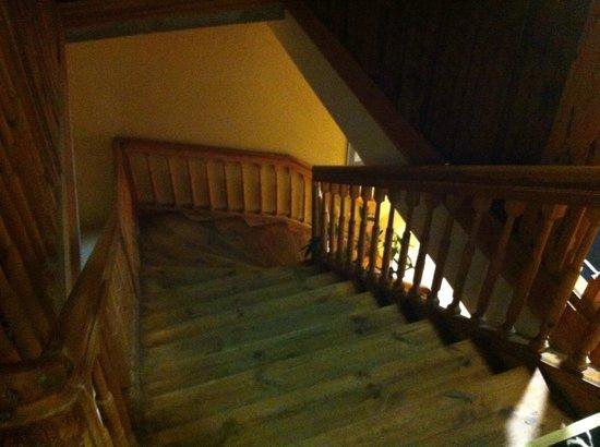 Meriton Old Town Garden Hotel: не пугайтесь, лифты тоже есть))
