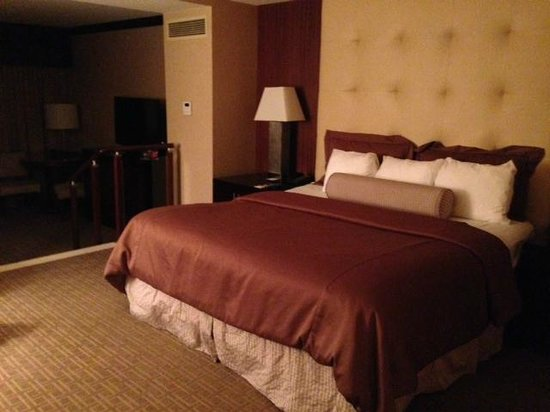 Ameristar Casino Resort Spa St. Charles: big, comfy bed