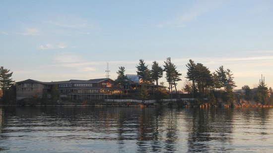 Bonnie Castle Resort: View of Resort from the water