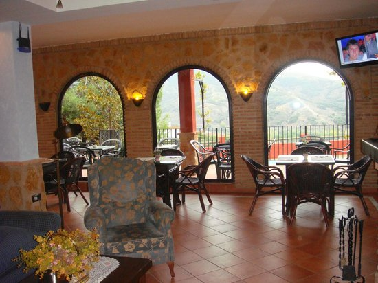 Hotel Cerro Del Sol: Lovely Dining overlooking the pool