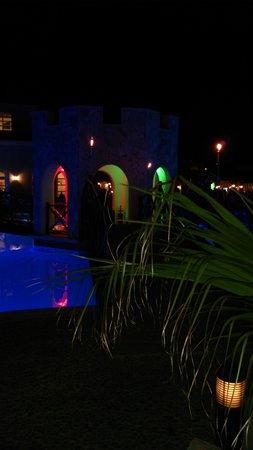 Melia Villaitana : Iluminación de la piscina