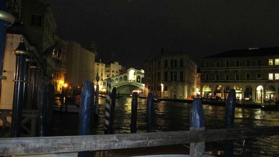 DiscoveringVenice -  Walking Tours : Rialto Bridge - Venice