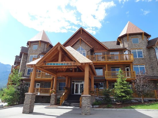 Stoneridge Mountain Resort by CLIQUE: Closer look of front