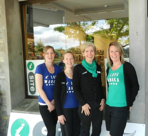 Wanaka i-SITE Visitor Information Centre: Some of the team at our new location 103 Ardmore St