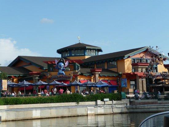 World of Disney: outside