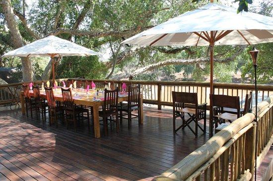 Naledi Bushcamp and Enkoveni Camp: Mittagessen