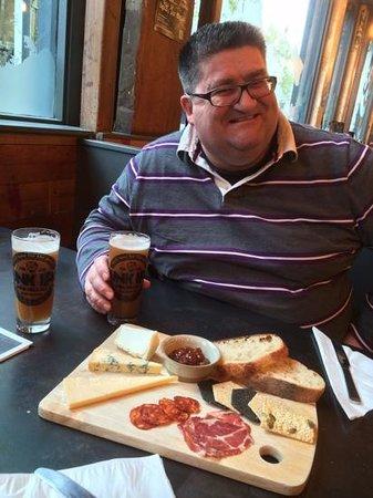 BrewDog Bristol: Wheatbeer & Cheese board