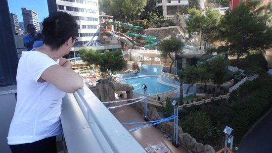 Magic Aqua Rock Gardens: balcony pool side