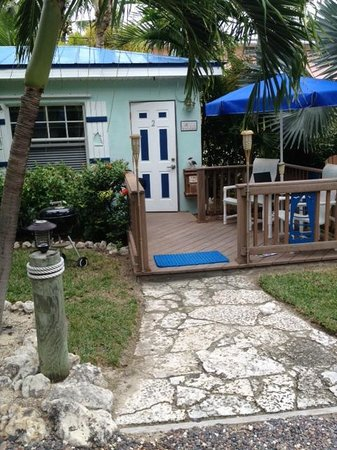 Island Bay Resort: Cozy quaint comfy bungalow