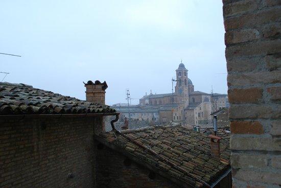 Hotel Raffaello: Suggestiva veduta dalla finestra della camera quadrupla.