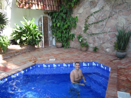 Casa de los Arcos : The pool, we always had it to ourselves. So relaxing.