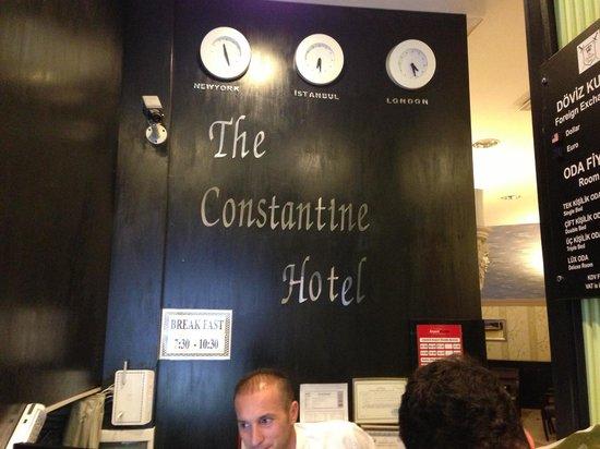 The Constantine Hotel: De receptie