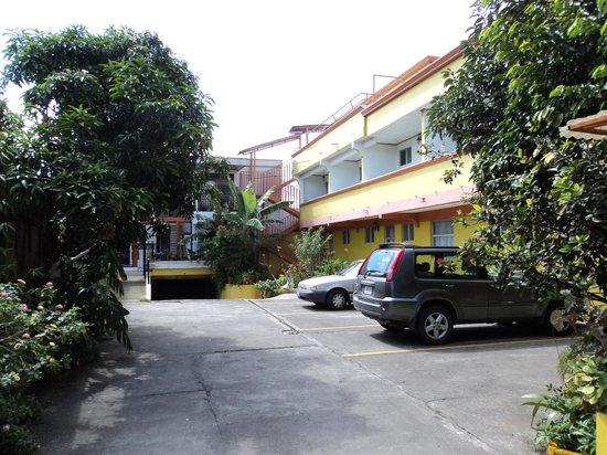 Hotel Las Flores: el parqueo