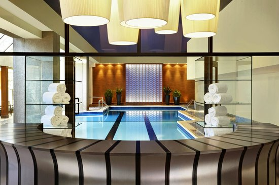 Sheraton Le Centre Montreal Hotel: Indoor Pool