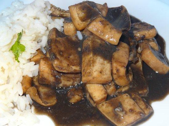 Hotel Restaurante Marroncin: Calamares en su tinta con arroz blanco.