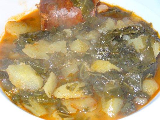 Hotel Restaurante Marroncin: El tradicional Pote Asturiano de berzas