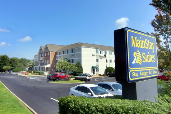 MainStay Suites Greenville Airport: Hotel Entrance