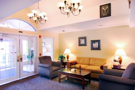 MainStay Suites Greenville Airport: Hotel Lobby