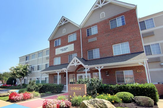 MainStay Suites Greenville Airport: Hotel Exterior