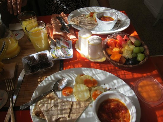 Thanna's Place : breakfast