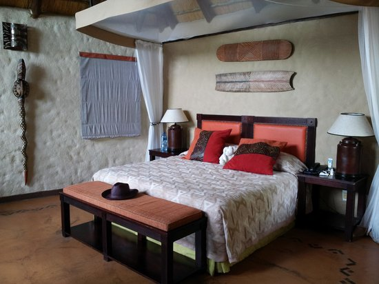 Lukimbi Safari Lodge: bedroom