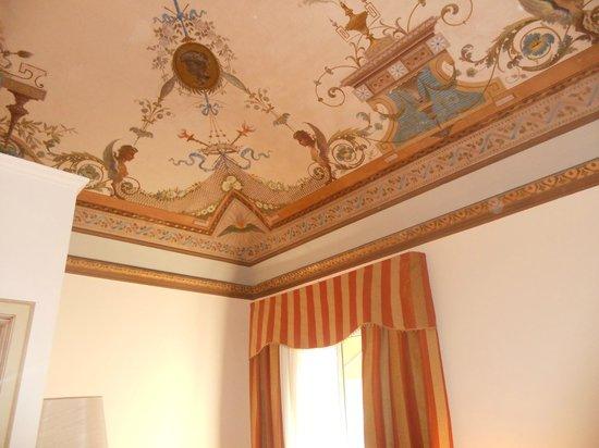 Manganelli Palace Hotel: Particolare del soffitto