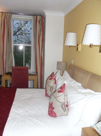 Regent Hotel : small bedroom