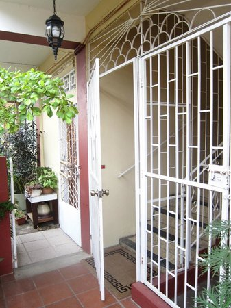 Thanna's Place, Bed & Breakfast: 2nd gate with a lock equipped