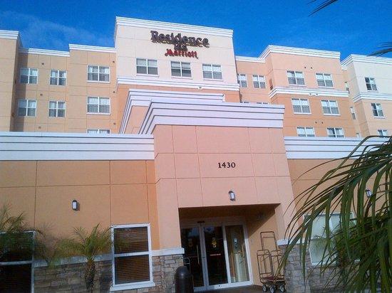 ريزيدنس إن باي ماريوت ديترويت: Outside view of the hotel