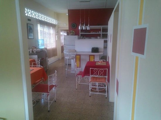 Thanna's Place: dinning area