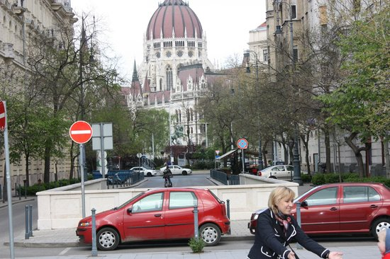 Andrassy Avenue : 2011г