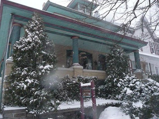 Adamstown Inns & Cottages: Winter Wonderland in Lancaster County, PA