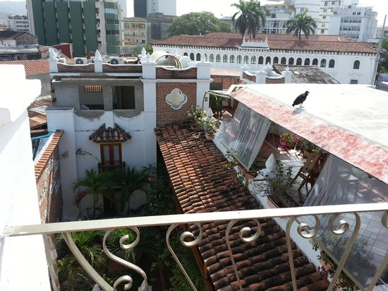 Hotel Don Pedro de Heredia : View down into the hotel from solarium
