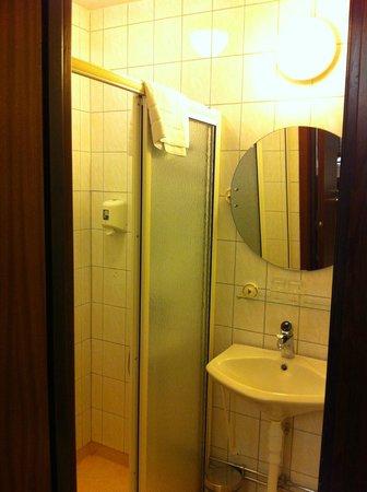 Best Western Hotell Boras: Room 265, Bathroom