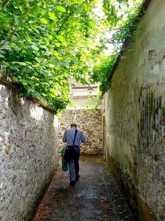 Le Moulin de Saint Martin : Roman Way in Crecy-la-Chapelle