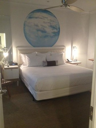 Blue Moon Hotel, Autograph Collection: King Bedroom