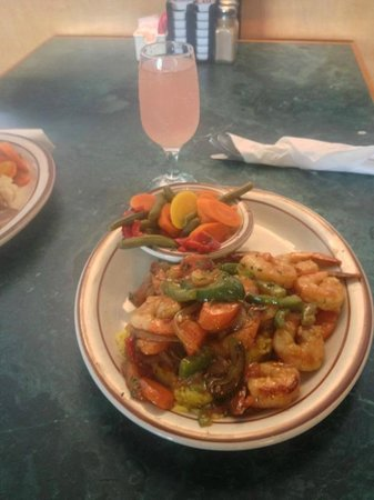 Jessi's Restaurant : Shrimp Dinner