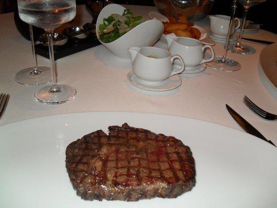 Rhodes Twenty10: Rib Eye Steak - Yum!