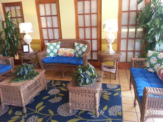 Holiday Isle Oceanfront Resort: lobby