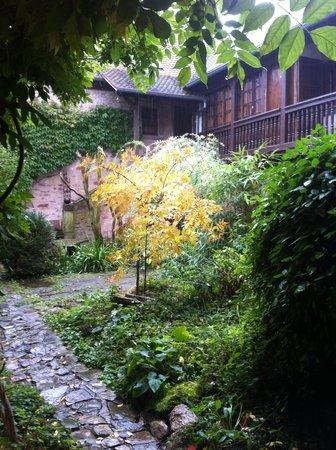 Domaine des Hirondelles : Le jardin interieur
