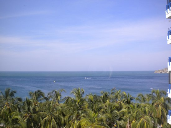 Hotel be La Sierra: Daytime view