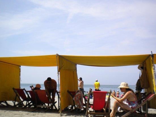 Hotel be La Sierra: Beach located across the street
