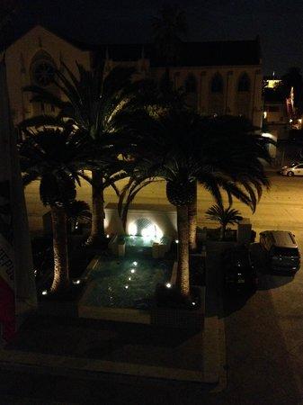 The Westin Pasadena: fountain