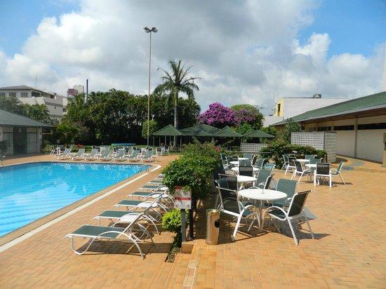 Golden Park Internacional Foz: piscina